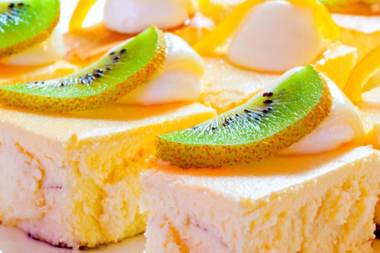 Kiwi fruit on cake