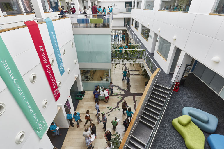 EI has state-of-the-art facilities and laboratories with the latest genomics, bioinformatics and HPC computing infrastructure
