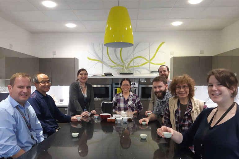Yuxuan runs a very informative Chinese tea tasting social club at EI