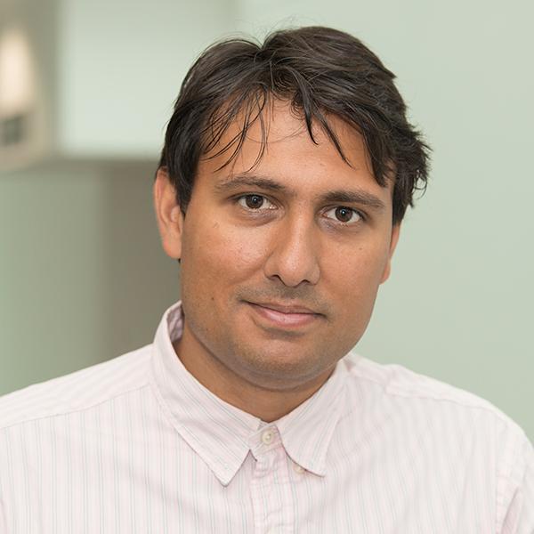 Dr Tamir Chandra